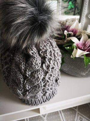 Sombrero de punto gris claro-gris