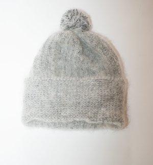Chapeau en tricot argenté