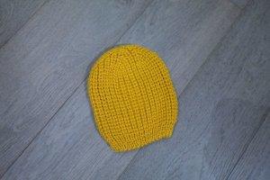 Strickmutze gelb / winterzeit