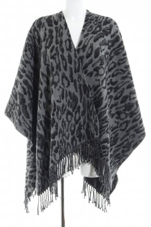 Strickponcho grau-schwarz Leomuster Street-Fashion-Look