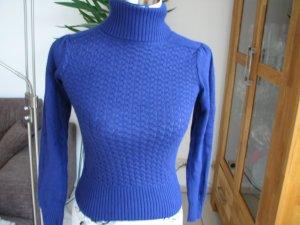 Strickpullover in schönem Blau