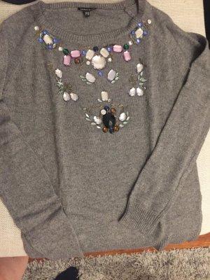 Strickpullover mit Perlenstickerei