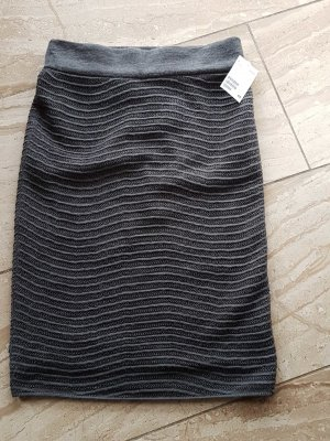 Strickrock aus Acryl/Wolle