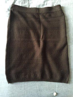 Strickrock dunkelbraun mit in sich gestricktem Ethnomuster, Gr. XS von Vero Moda