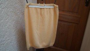 Jupe tricotée jaune laine vierge