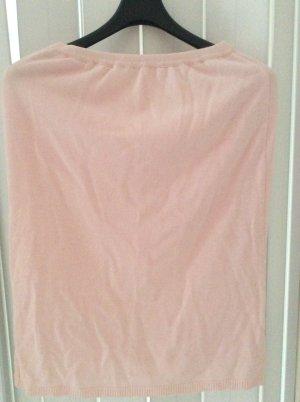 Gonna lavorata a maglia rosa chiaro