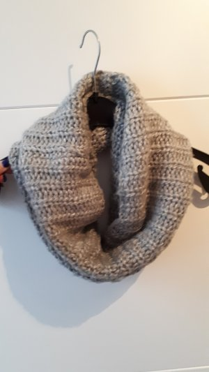 H&M Knitted Scarf grey