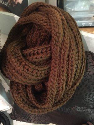 Bufanda de punto coñac-marrón