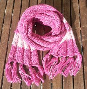 Écharpe en tricot rose