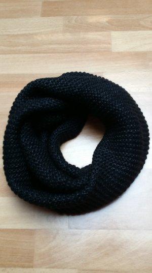 Strickschal/Rundschal in schwarz von H&M