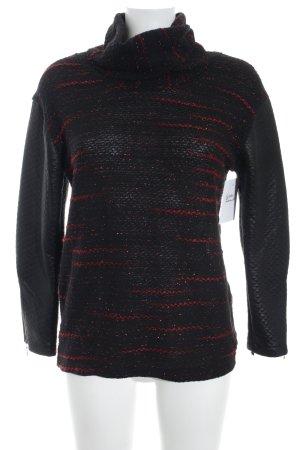 Camisa tejida negro-rojo oscuro look casual