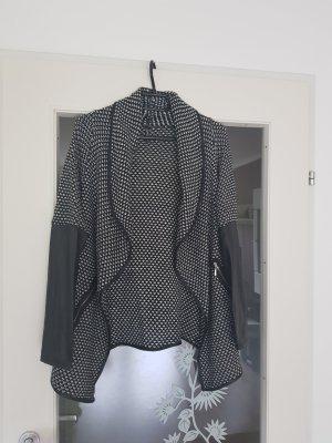 Colloseum Knitted Vest white-black