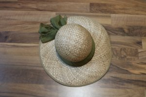 Straw Hat sage green-nude