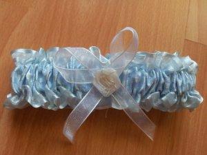 Strumpfband blau mit weißer Schleife Rose NEU