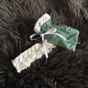 Strumpfband grün weiß kariert mit Sackerl für die Wiesn