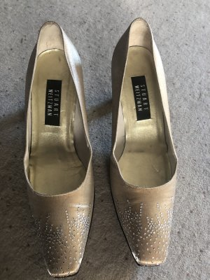 Stuart weitzman Pointed Toe Pumps gold-colored