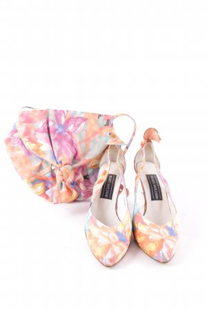 Stuart weitzman Pointed Toe Pumps floral pattern elegant