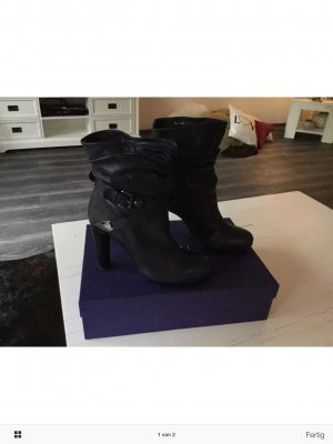 Stuart weitzman Booties black leather