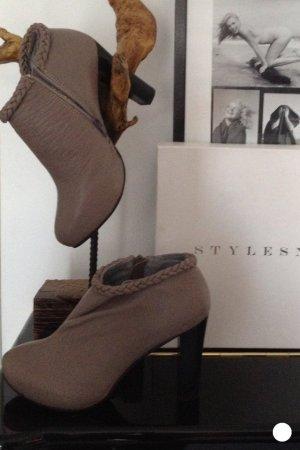 Stylesnob Ankle Boots grau Leder geflochten Plateau 38 Neu NP:149€