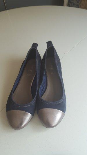 Stylische Balerinas aus Leder