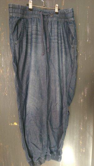 Stylische bequeme Jeans