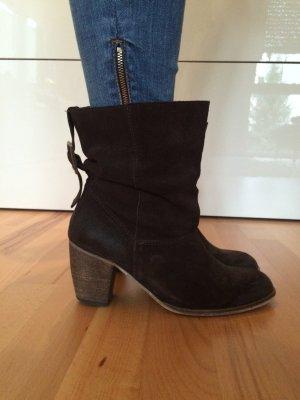Stylische Buffalo Boots