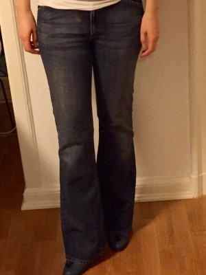 Stylische Calvin Klein Jeans zu verkaufen