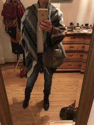 Stylische Cape-Jacke von Zara