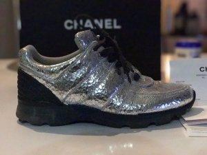 Stylische Chanel Sneaker