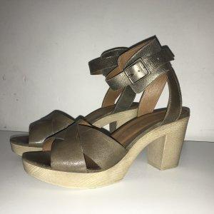 Stylische Designer-Sandalette