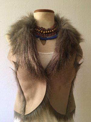Stylische Fell-Weste (Kunstfell!) in Beige / Grau von Tom Tailor, Fashionista, Blogger, Trend