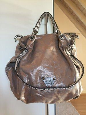 Stylische Handtasche von Guess