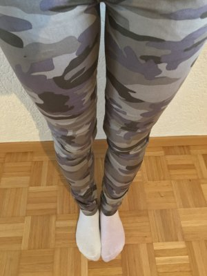 Stylische Hose jeans armee Camouflage gr. 34 xs grün leggings treggings blogger hose
