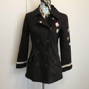 Stylische Jacke mit Buttons