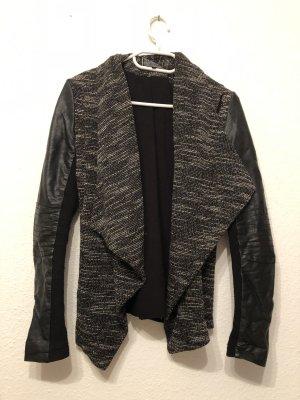 Stylische Jacke mit Lederapplikationen