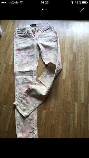 Stylische Jeans mit Blumenprint