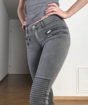 Zara Vaquero pitillo gris