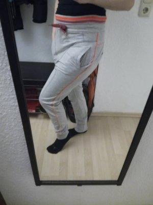 stylische Jogginghose