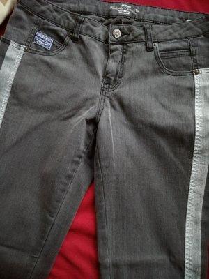 Stylische Kangaroos-Jeans in Grau
