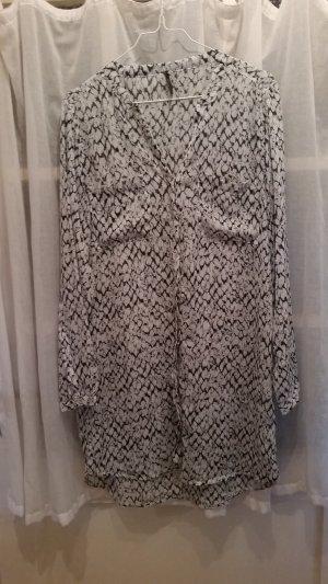 stylische, lange Bluse von der Firma soyaconcept