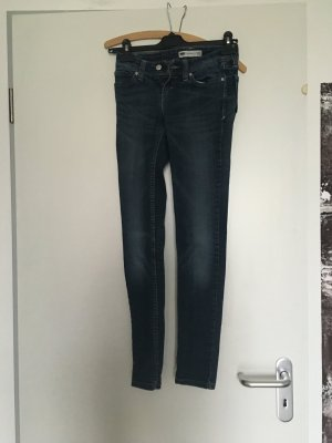 Stylische Levi's demi curve, skinny, mid-blue washed, 25