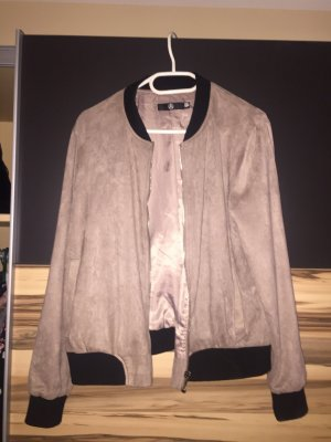 Stylische Missguided Bomberjacke