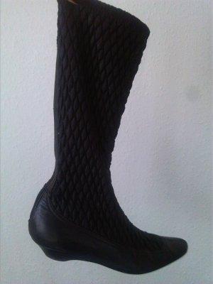 Stylische Prada Stiefel
