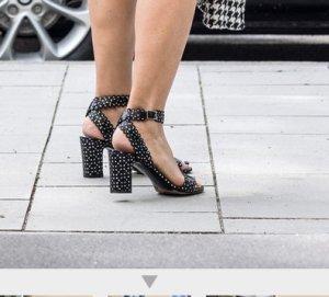 stylische Sandalen mit Blockabsatz von Tabitha Simmons