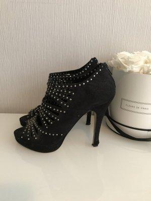 Stylische Sandalen mit Nieten (37)  zu verkaufen