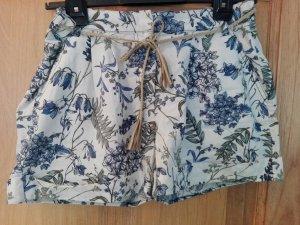 Stylische Shorts mit Kordelzug Gr. 42/44