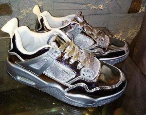 Stylische Sneacker in Metalic Styl in gr 38 Silber