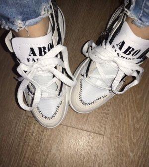 Stylische Sneaker Gr.40