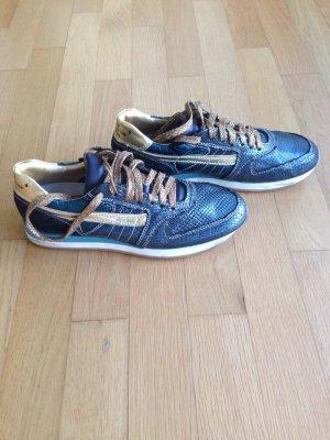 Stylische Sneaker Kultmarke