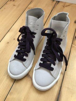 Stylische Sneaker von NIKE
